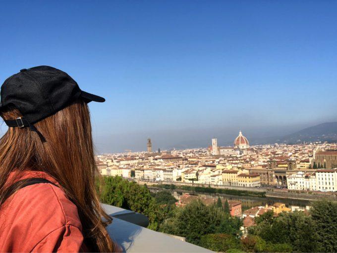 フィレンツェの街を見下ろす