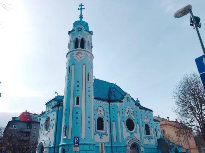 美しい「青の教会」