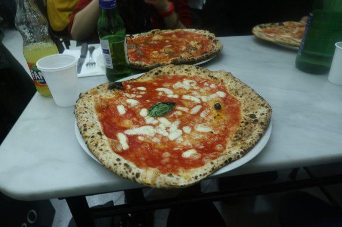 ナポリで食べたピザ