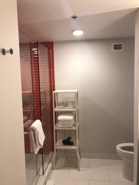 バスルームも清潔で綺麗
