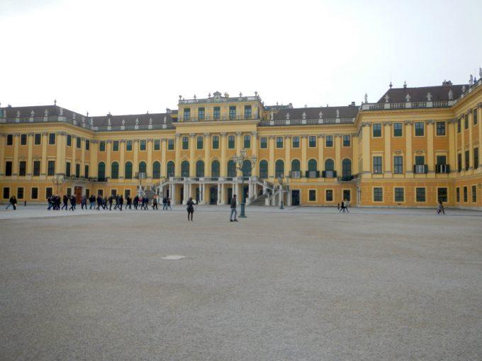 ロマンティックな「シェーンブルン宮殿」