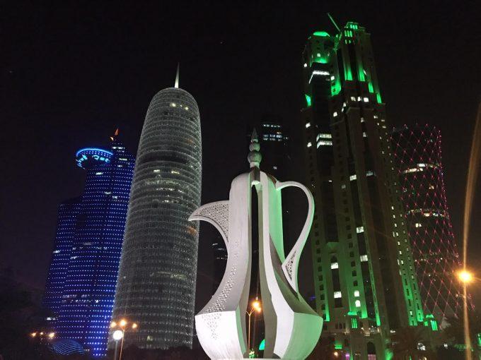 カタールで降りて夜景鑑賞