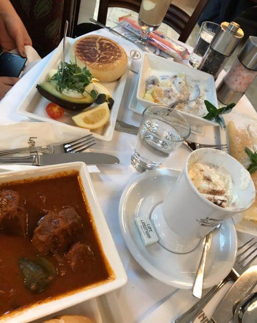 「Café Landtmann(カフェ・ラントマン)」でのランチ