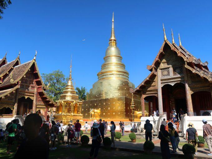 眩しい黄金の寺院