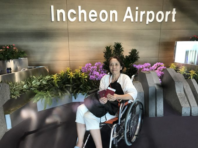 空港内はほぼ車椅子で移動。航空会社の対応は良く、安心して旅行出来ました
