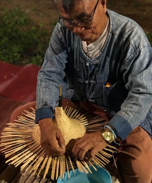 伝統工芸を作る現地の職人の方