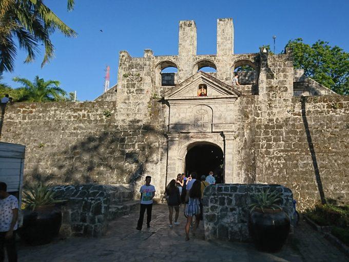重厚な「サン・ペドロ要塞」