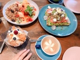 行きたかったカフェで朝食