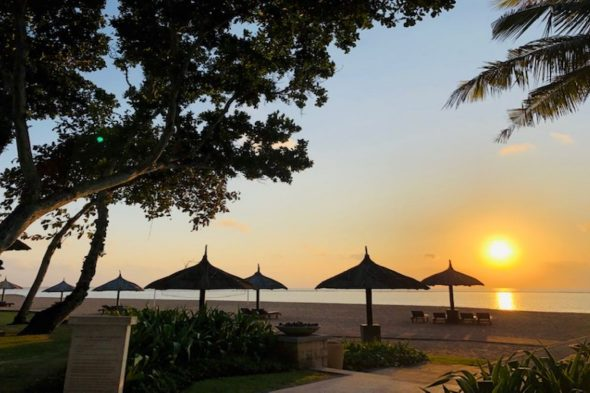 ホテルからの朝陽