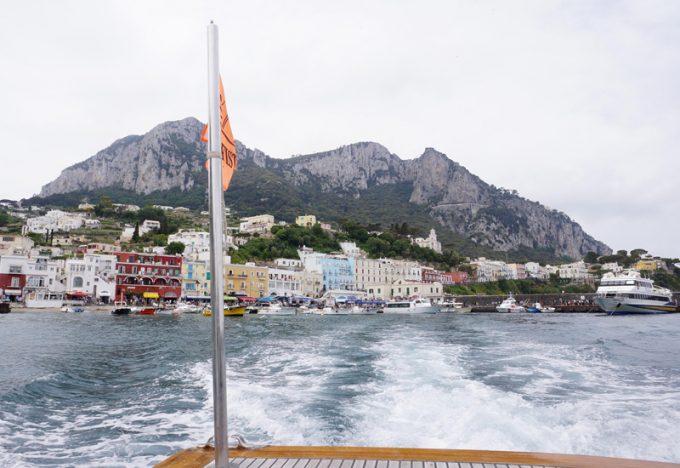 カプリ島の港の風景