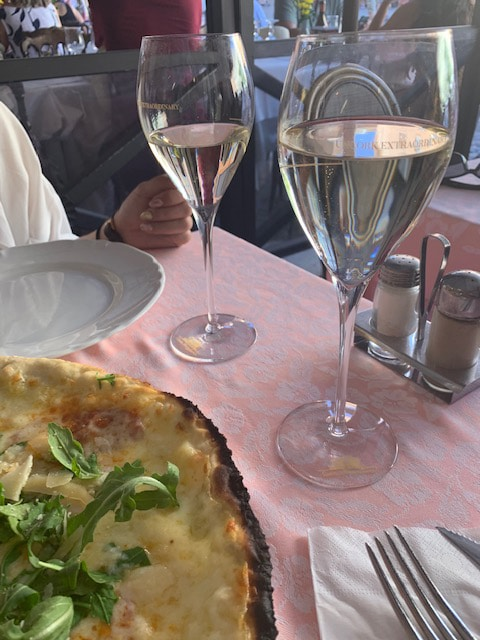 Ristorante-pizzeria-'4fiumi'マスカットワイン