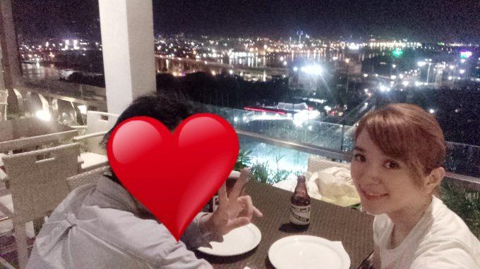 夜景な綺麗なレストランにて