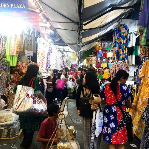 プラチナムファッションモールの近くにあったマーケットの様子