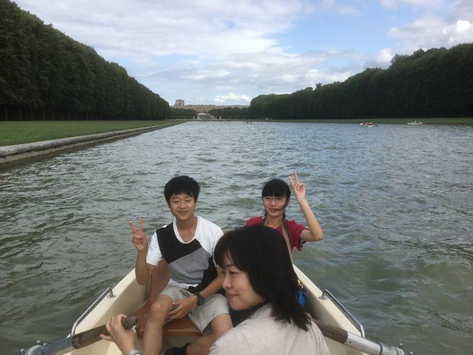 ヴェルサイユ宮殿内グランカナルでレンタルボート