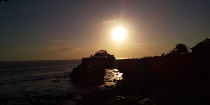 幻想的な夕日が素敵だったタナロット寺院