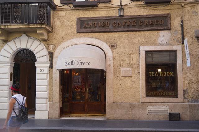 アンデルセンやゲーテも訪れたというローマ最古のカフェ「 グレコ」