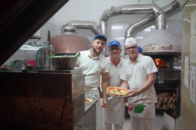 ナポリのピザ屋