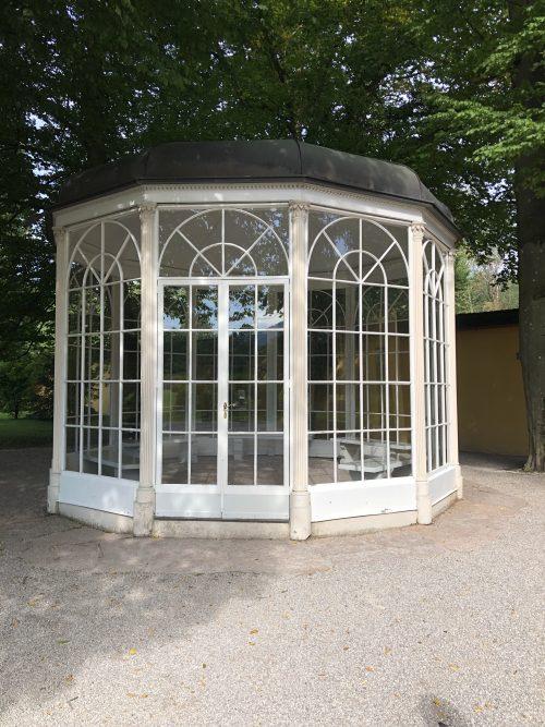 ガラスの家。ザルツブルクのヘルブルン宮殿にて。