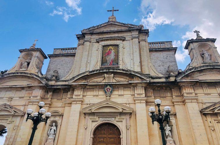 ラバトの聖パウロ教会。地下洞窟にカタコンベや戦時中のシェルターがあり、探検のようでした。