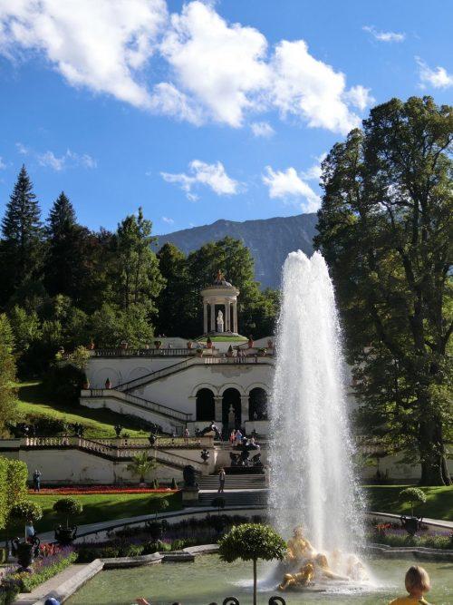 リンダーホーフ城 庭園の噴水