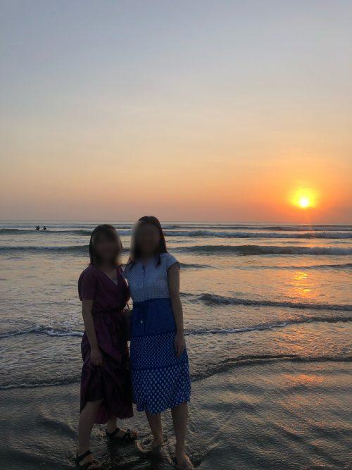 クタビーチでも夕陽を見ることができました