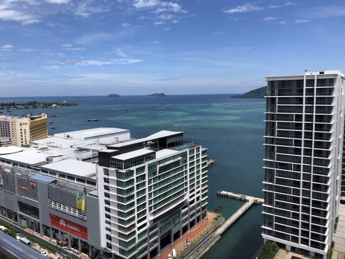 ホテルのプールからの風景
