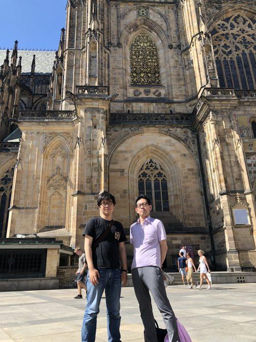 プラハ城にて、長男と