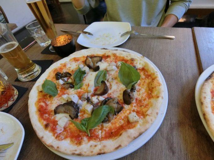 「Nero pizza & grill」にて夕飯!ピザすごく美味しかったです!