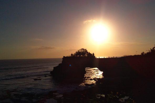 バリ島 タナロット寺院