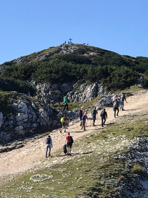 ウンタースベルグ山頂を臨む