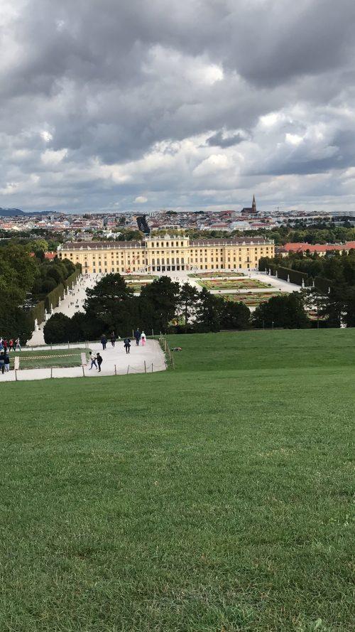 グロリエッテから見たシェーンブルン宮殿と庭園