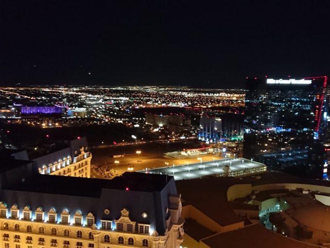 「エッフェル塔展望台」からの夜景