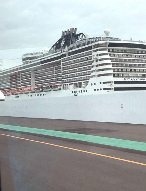 巨大な客船「MSCスプレンディダ」