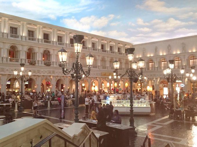 室内に空!「ベネチアンホテル・グランド・カナル・ショップス」