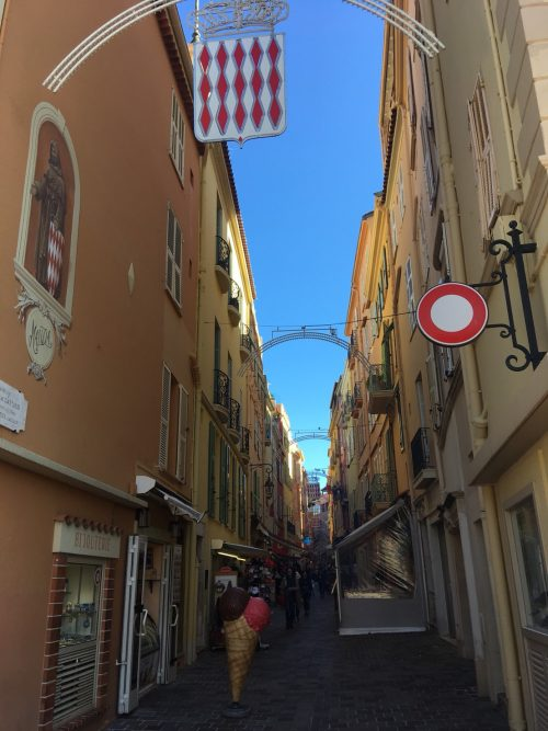 モナコ王宮に繋がる旧市街