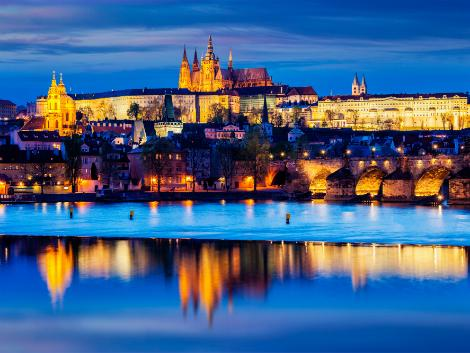 プラハ:プラハ城とカレル橋