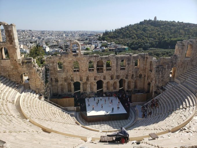 巨大な円形劇場