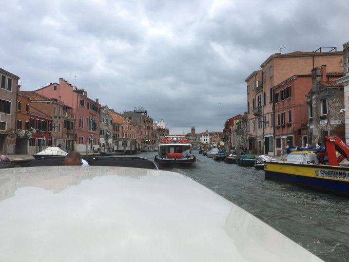 ベネチアの空水上バス