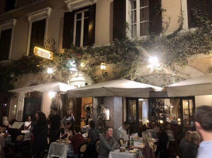 ローマ初日 夕飯に入ったレストランが素敵でした