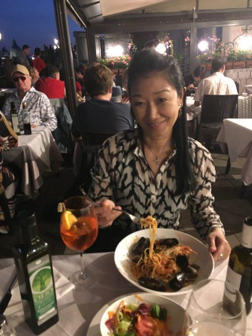 5日目サンマルコ広場近くラグーン前のレストラン