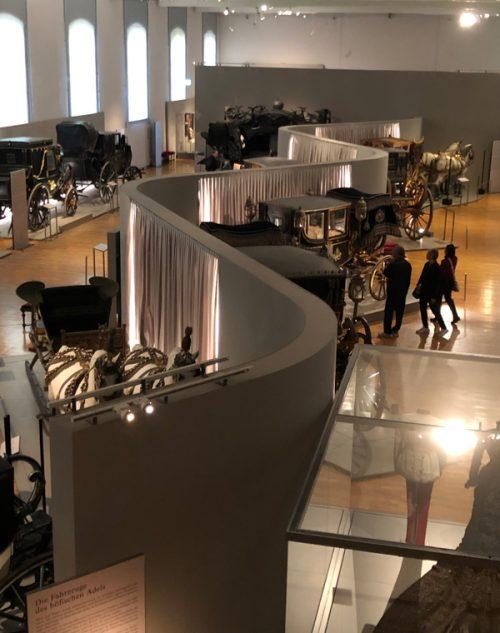宮殿の敷地内にある「馬車博物館」