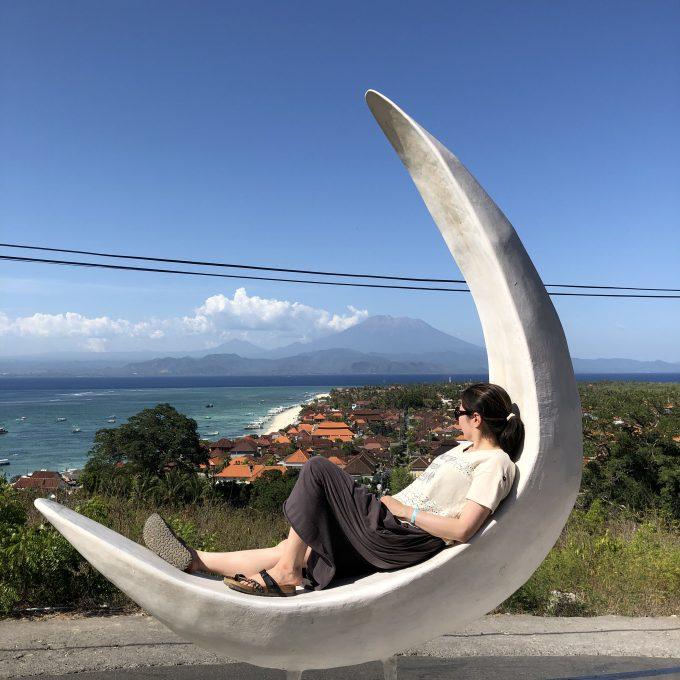 レンボンガン島の隣の島巡り中に寄ったカフェ