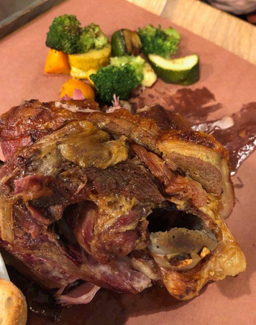 部位はわからないですが美味しかった豚の大きな肉