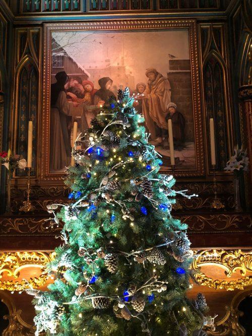 大聖堂に飾られていたクリスマスツリー