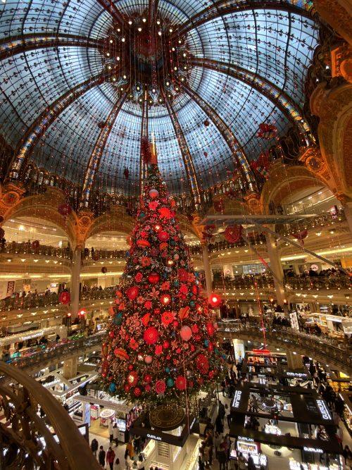 ギャラリーラファイエットの素敵なクリスマスツリー!