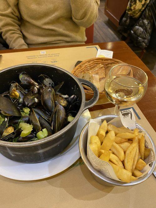 「レオン」でムール貝で夕食