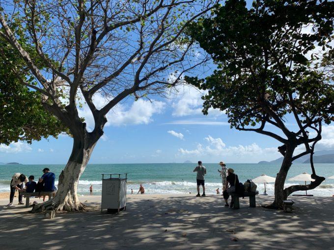ホテルから徒歩3分のビーチ