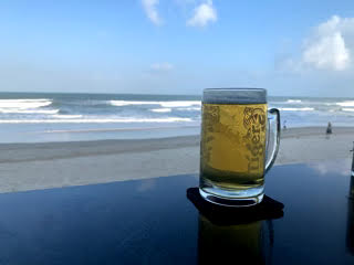 ミーケビーチで乾杯