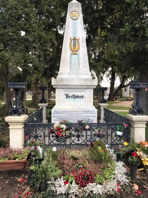 中央公園墓地ベートーヴェンのお墓