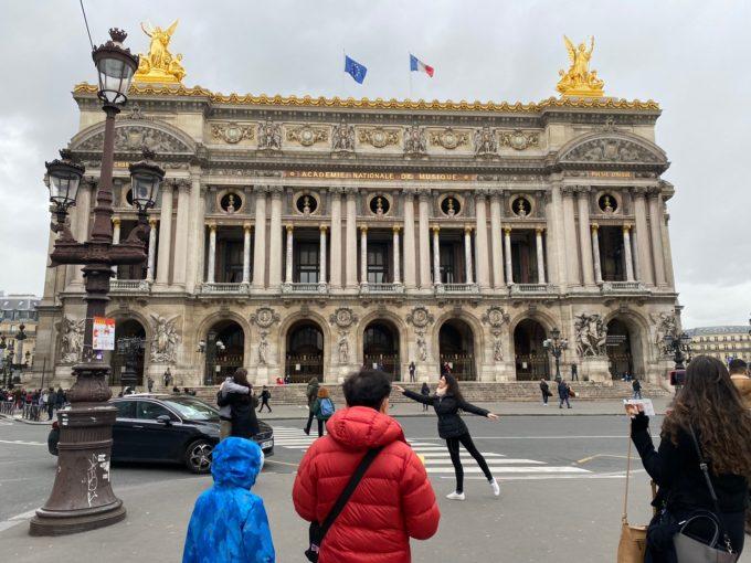 ルーブル美術館からオペラガルニまで歩きました